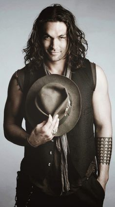 Don't really like men with long hair.... I will make an exception - Jason Mamoa