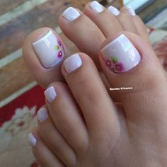 Confira as dicas para fazer unhas francesinhas perfeitas! Veja mais, Clique no link da imagem. Pretty Pedicures, Pretty Toe Nails, Cute Toe Nails, Get Nails, Toe Nail Art, Hair And Nails, Pedicure Designs, Toe Nail Designs, Mani Pedi