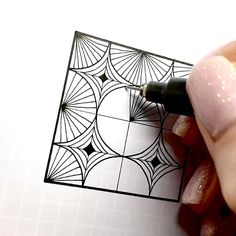 Easy Doodles Drawings, Doodle Art Drawing, Zentangle Drawings, Mandala Drawing, Pencil Art Drawings, Zentangle Patterns, Zentangles, Mandala Art Lesson, Notebook Art