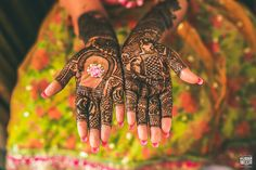 Mehendi With Lots of Empty Spaces!  #Ezwed #Mehendi #MehendiDesign #BridalDesign #Wedding #TrendyMehendiDesign