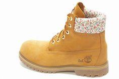 www.cheapshoeshub.2waky.com/timberland-boots-womens-timberland-roll-top-boots-c-109_123.html  Rihanna Timberland boots | Timberland1