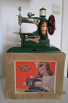 vintage tin toy sewing machine DIANA Schurhoff quicksewer w/box nMINT