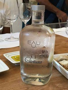 Alentejo, Portugal - Dicas de Viagem: Évora, Hotéis, Herdades e Restaurantes Portugal, Vodka Bottle, Drinks, Homesteads, Travel Tips, Restaurants, Drinking