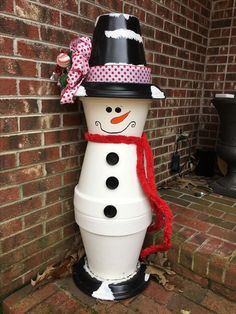 Easy and Fun Christmas Crafts for Kids to Make – Clay Pot Snowmen Learn how to make these super fun handmade Christmas crafts for kids that will add so much festive spirit to Handmade Christmas Crafts, Christmas Crafts For Kids To Make, Christmas Clay, Holiday Crafts, Holiday Decorations, Diy Snowman Decorations, Diy Ornaments, Funny Christmas, Spring Crafts