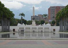 Un espejo en su mas vivo esplendor ... #caracas #venezuela #igersvenezuela #igers#igerscaracas #vsco#vscogood #vscocam #vscovenezuela #vscocamvenezuela #huntgram #huntmembers #huntvenezuela #instalovenezuela #hallazgosemanal #communityfirst #instagood #instadaily #shoot2kill #aov #adorama #all_shots #photooftheday #gf_venezuela #ig_venezuela #instafoto_ve #instavenezuela #cuatrocuarenta#elnacionalweb