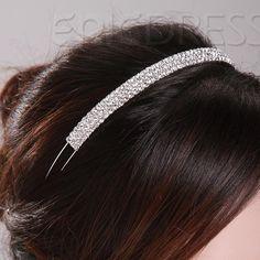 Tiara sencilla de cristales para la novia.