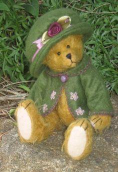 Harriet A Miniature Bear By Lesbears On Etsy #teddy, #teddies, #bears, #toys, https://facebook.com/apps/application.php?id=106186096099420