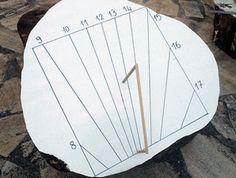 Permet de simuler et réaliser très facilement un cadran solaire sur un plan quelconque sans aucune connaissance spécifique.