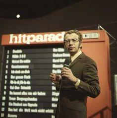 Hitparade mit Dieter Thomas Heck. ~~~~ Am 18. Januar 1969 um 18:50 Uhr wurde die Hitparade zum ersten Mal im ZDF ausgestrahlt und nach acht Ausgaben im Jahr 1969 ab 1970 jeweils zwölf Mal jährlich am Samstagabend präsentiert.