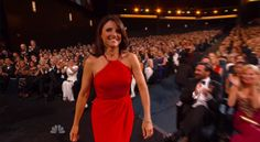 Julia Louis-Dreyfus celebrates Emmy win by making out with Bryan Cranston | EW.com