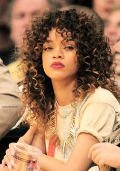 If you are a fan of Rihanna then going with your favorite celebrities hairstyle is the best choice for you. So, you should go with these hairstyles to create a beautiful hairstyle on your hair. Rihanna Hairstyles, Trending Hairstyles, Celebrity Hairstyles, Curled Hairstyles, Cool Hairstyles, Curly Hair With Bangs, Short Curly Hair, Rihanna Curly Hair, Short Hair