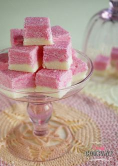 Coconut ice. Krajanka kokosowa Chocolate Recipes, Watermelon, Cake Recipes, Coconut, Ice Cream, Sweets, Candy, Mood, Fruit