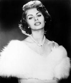 Sophia Loren - Stunning Stole