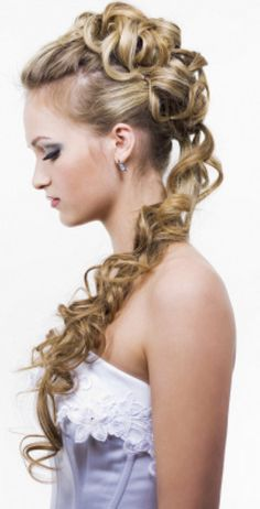 Top 10 Cute Hairstyles For Long Hair. Curl up your hair but instead of leaving it flowing, make a top tuck bun and clip it. Leave the rest of the hair flowing down in a pony tail.
