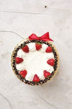 everything is poetry: strawberry & cream birthday cake