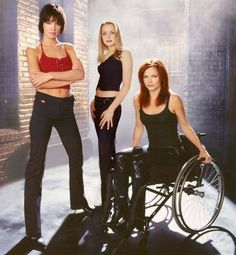 Actress Ashley Scott as Helena Kyle/Huntress, actress Dina Meyer as Barbara Gordon/Oracle (former batgirl) and Canadian actress Rachel Skarsten as Dinah Redmond (née Dinah Lance) as Black Canary bird of prey tv series Batwoman, Batgirl, Supergirl, Nightwing, Birds Of Prey, Barbara Gordon Oracle, Dina Meyer, Gotham News, Ashley Scott