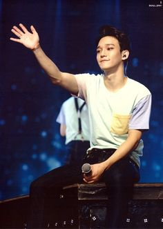 """[SCAN] Chen for """"The EXO'luXion [dot]"""" Official Goods - Postcard"""