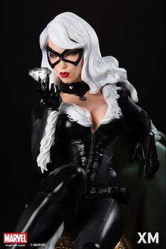 XM STUDIOS BLACK CAT STATUE ¼ SCALE