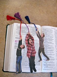 Must make bookmarks like these with the kids. Fun! :) [from Family Fun magazine]
