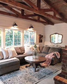 Having small living room can be one of all your problem about decoration home. To solve that, you will create the illusion of a larger space and painting your small living room with bright colors c… Home Decor Bedroom, Home Living Room, Living Room Decor, Living Spaces, Living Area, Den Decor, Cozy Den, Decoration, Great Rooms