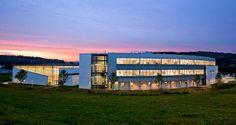 http://tecnne.com/arquitectura/kaynor-technical-high-school