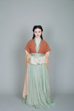 Chinese Hanfu - Type: Waist-high Ruqun/襦裙 and Banbi/半臂