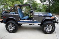 Jeep love the blue! Auto Jeep, Cj Jeep, Jeep Cars, Jeep Truck, Jeep Wrangler, Pickup Trucks, Jeep Cj7 Renegade, Vintage Jeep, Vintage Cars