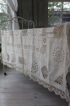 Lacy linen spread, so pretty.
