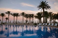 Riu Palace Tres Islas. The magnificent building enjoys a seafront location on Playa de Corralejo beach and boasts beautiful sea views.