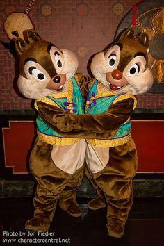 *CHIP 'N' DALE ~ DDE May 2013 - Disney Dreamers Everywhere Hong Kong Disneyland Closing Event | Flickr - Photo Sharing!