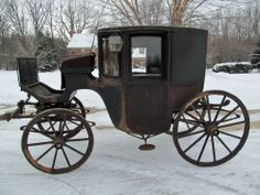 Horse Drawn Clarence Coach, Carriage. Circa 1850. Whale Oil Lamps.