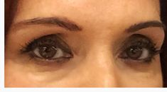 S'il y a un truc difficile à faire en maquillage, c'est de corriger nos sourcils. Les maquilleurs le font facilement, mais sur moi, je trouve que ce n'est pas évident. Mais aujourd'hui, je vous propose la solution facile avec le produit québécois Looky brow! Solution, Straight Brows, Natural Eyebrows, Hair, Makeup