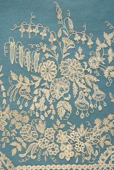 Spectacular antique Brussels applique lace crinoline flounce 7yds 28 ins.