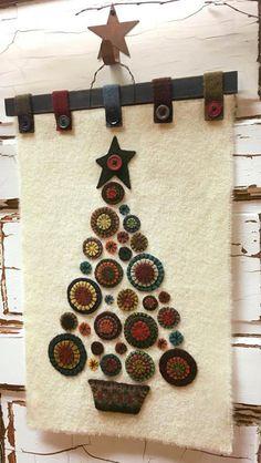 Crochet Christmas Tree Rug Ideas For 2019 Christmas Tree Kit, Christmas Tree Pattern, Felt Christmas Ornaments, Christmas Crafts, Cowboy Christmas, Primitive Christmas, Xmas, Crochet Christmas, Green Christmas