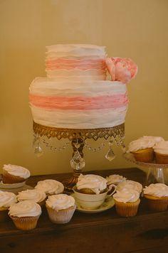 wedding cake Garden Wedding, Vanilla Cake, Wedding Cakes, Desserts, Food, Tailgate Desserts, Meal, Wedding Pie Table, Dessert