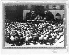 FOT_POS,36/076-079 / Reportaje del acto de celebración de la Eucaristía en el patio de la Prisión Provincial de Murcia.http://archivoconsulta.carm.es/ArchiDocWeb/pages/tiles/imagenes2/FINAL/VOLFM07899-3/%5C/FM,7899-3_001.jpg