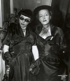 Glamour and style   Edith Head and Gloria Swanson in costume for Sunset Blvd 1950