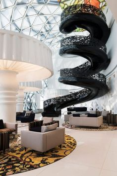 Five-star hotel Mondrian Doha in Quatar carries the signature of Marcel Wanders. Modern Staircase, Grand Staircase, Spiral Staircase, Staircase Design, Black Staircase, Doha, Stair Steps, Design Hotel, Lobby Design