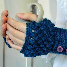 Hermosos guantes sin dedos con patrón