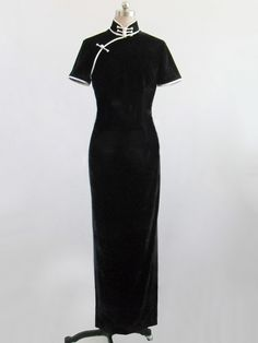 Simply elegant...with the old high mandarin collar and tripple button clasp! (Black velour short sleeves cheongsam dress SCV28 - Custom-made Cheongsam/Qipao at EFU Shop)