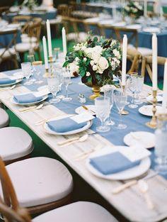 Top 20 Classic Romantic Dusty Blue Wedding Decor Ideas – Page 2 – Hi Miss Puff Dusky Blue Wedding, Black Tie Wedding, Wedding Pastel, Spring Wedding, Blue Bridal, Berry Wedding, Diy Table Mariage, Natural Wood Dining Table, Bodas Boho Chic