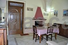 Alba Chiara Castro di Lecce Alba Chiara is a detached holiday home situated in Castro di Lecce in the Apulia Region and is 300 metres from Grotta Zinzulusa. There is a dining area and a kitchenette complete with an oven and a stovetop. A flat-screen TV is offered.