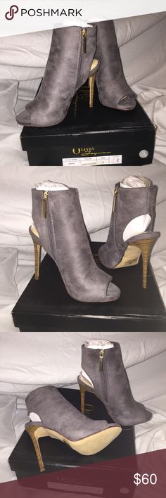 """😻""""LOLA"""" Suede Peeptoe Zip Bootie✨SIZES 8 & 7.5 INCREDIBLY SEXY GRAY SUEDE PEEPTOE CUTOUT ZIP ANKLE BOOTIE WITH GOLD ZIPPER. WOOD CONTRAST HEEL. SIZES: 8 & 7.5 INSTOCK. RUNS TRUE TO SIZE. NEW IN BOX. NO FLAWS. Boutique Shoes Ankle Boots & Booties"""