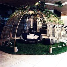Coup de coeur Designers Days Bac/Saint Germain Installation pour le végétal designer Alexis Tricoire pour @bebitalia  #designersdays #ddays #ddays15 #silveraactu #festival #design #paris #france #exposition #instalive #instadeco #instadesign #picoftheday