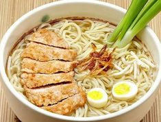 all ramen recipes: Miso soup with chicken, leeks, bamboo shoots and n. Ramen Recipes, Asian Recipes, Healthy Recipes, Ethnic Recipes, Chicken Ramen Recipe, Italian Buffet, Homemade Ramen, Miso Soup, Bamboo Shoots