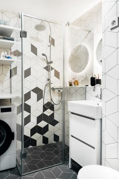 Nisa Arhitektura - bathroom floor and wall tiles made with diamond-shaped porcelain tiles from the Geomat collection by Tonalite