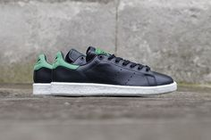"The adidas Originals Stan Smith BOOST Surfaces in ""Core Black"": Yet another predominately black BOOST sneaker kicks off the month of March. Stan Smith Boost, Sneaker Magazine, Latest Shoe Trends, Boy Shoes, Vans Sneakers, Contemporary Fashion, Adidas Stan Smith, Reebok, Adidas Originals"