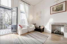 2 Bedroom Apartment in Central London/Zone 1 to rent from £1300 pw. With balcony/terrace, Telephone and TV.