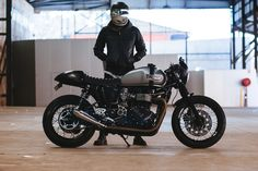 Andre's Triumph Thruxton Cafe Racer