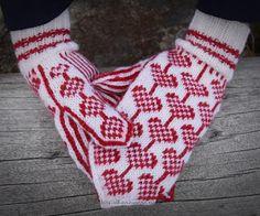 Mittens Pattern, Knit Mittens, Knitting Socks, Mitten Gloves, Icelandic Sweaters, Arm Warmers, Knitwear, Free Pattern, Knitting Patterns